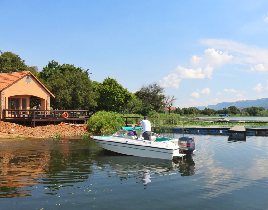 Boating on Hartbeespoort